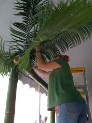 kQ. working the palm fronds @ Celebrate Brooklyn Opening Night Gala 2009
